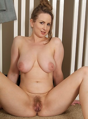 Hot naked moms with pussy