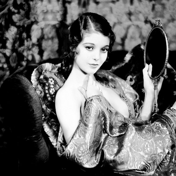 Nude photos of loretta young