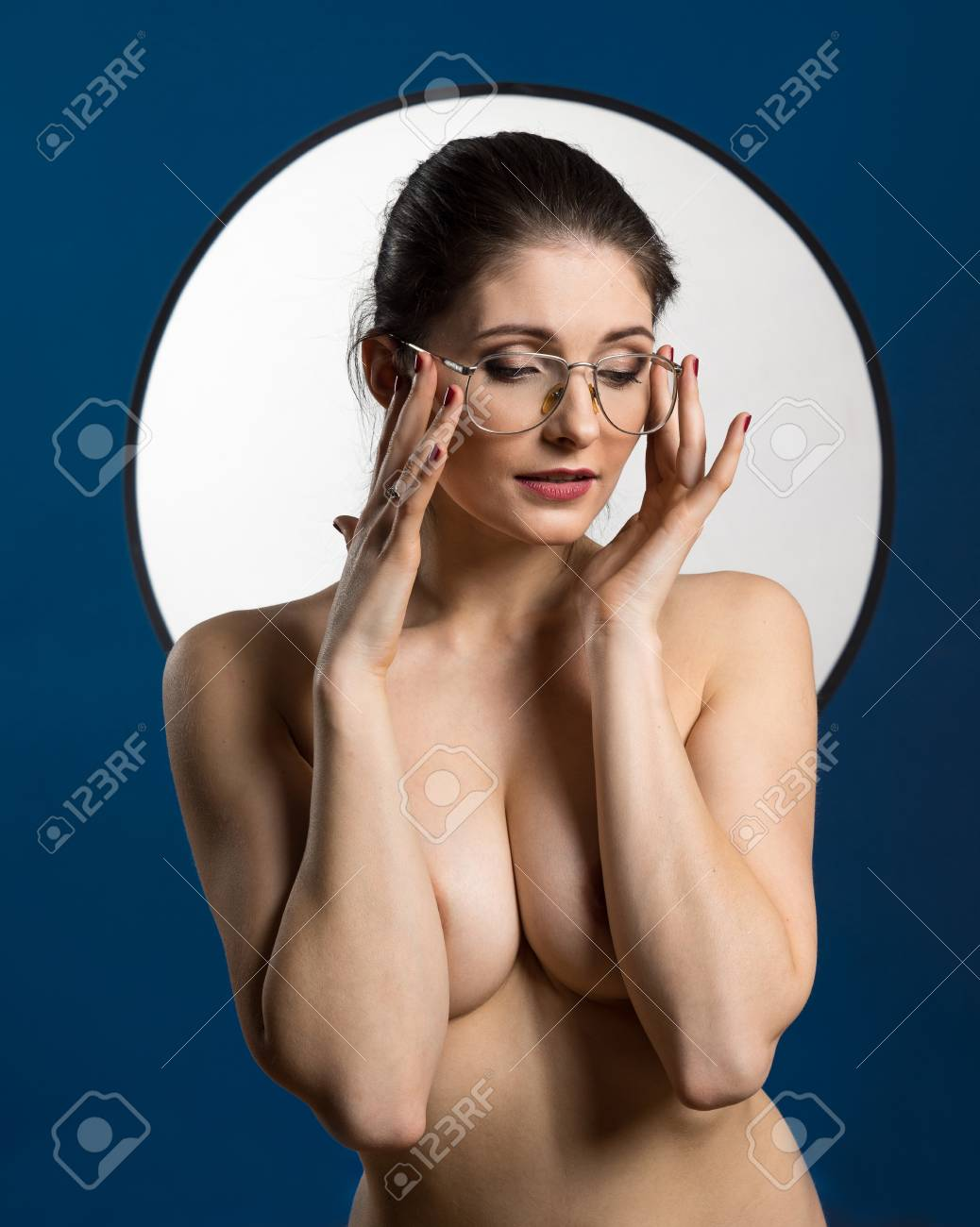 Nude women text pic